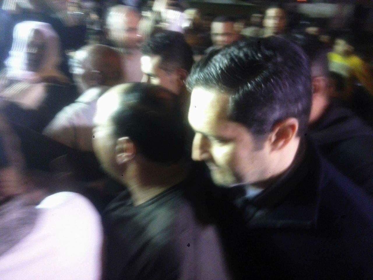حضور نجلي مبارك لعزاء والد أبو تريكة