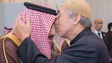 """من هو صاحب """"القبلة"""" على جبين الملك سلمان؟"""