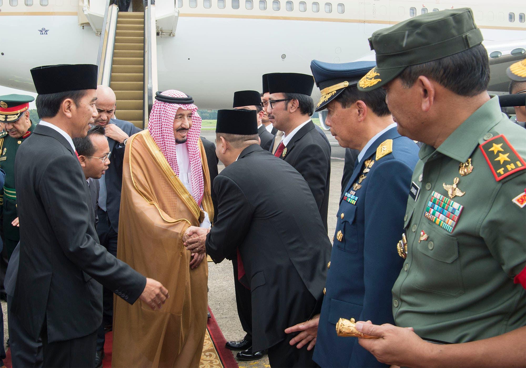 King Salman bin Abdul Aziz arrives at Halim airport in Jakarta on March 1, 2017. (SPA)