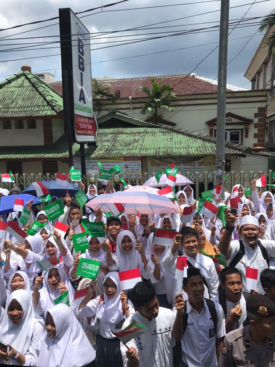 استقبال شعبي للملك سلمان في إندونيسيا 2