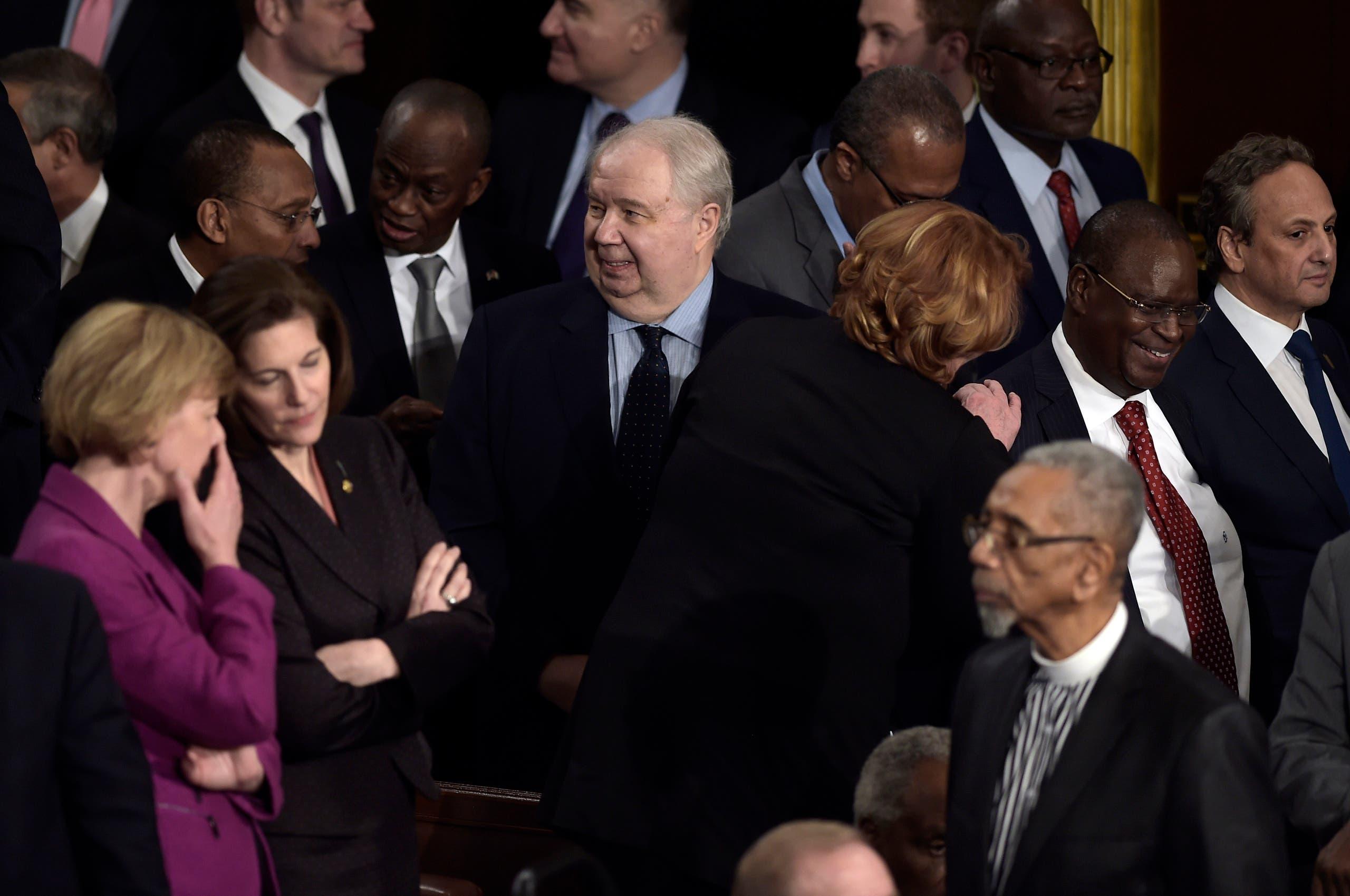 السفير الروسي سيرغي كيسلياك يستمع لخطاب ترمب أمام الكونغرس