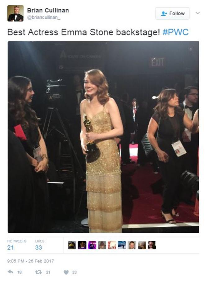 إحدى تغريدات براين كولينان خلال الأوسكار