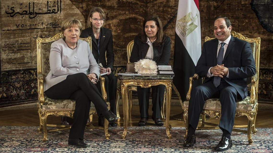 Egyptian President Abdel Fattah al-Sisi (R) meets with German Chancellor Angela Merkel at the presidential palace in Cairo on March 2, 2017. German Chancellor Angela Merkel is on a two-day trip to Egypt and Tunisia, in a push to limit migrant flows to Europe through North Africa, especially chaos-torn Libya. (AP)