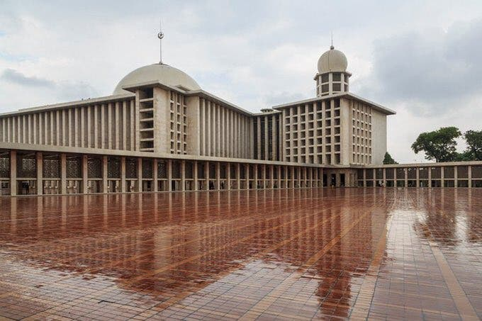 Saudi Arabia's King Salman visits Indonesia's Istiqlal Mosque