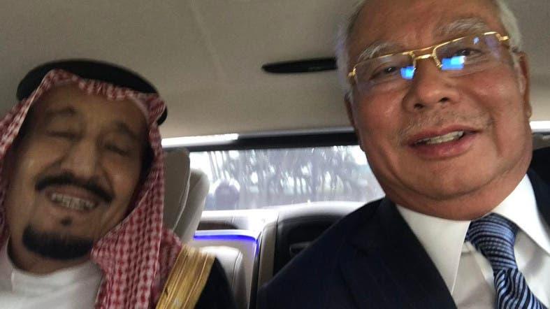 Selfie of King Salman with Malaysian Premier. (via @NajibRazak)