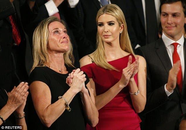 أرملة الجندي الأميركي تبكي خلال خطاب ترمب