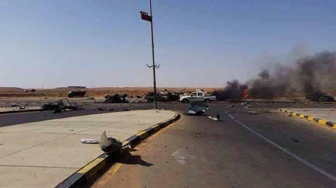 اثار سيارات مسلحة قصفها الجيش في راس لانوف - ليبيا