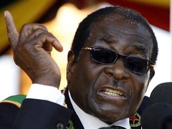 رحيل موغابي عن 95 عاماً.. معلم الحرية الديكتاتور