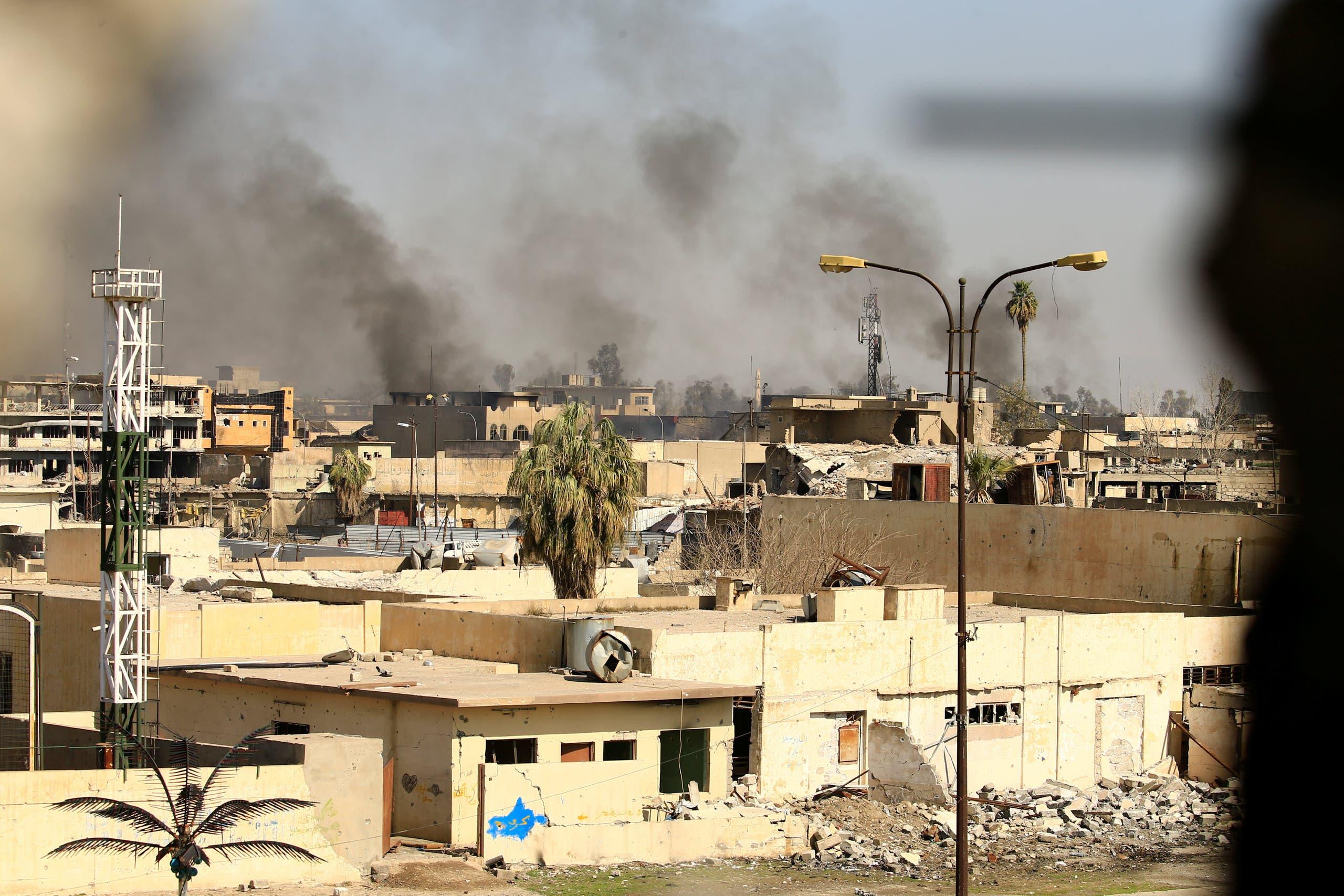 دخان المعارك يتصاعد من الموصل
