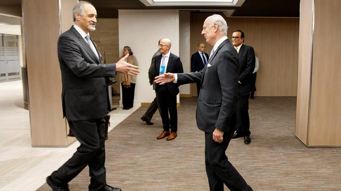 Bashar al-Jaafari (L), Syrian chief negotiator shakes hands with Staffan de Mistura in Geneva, Switzerland, on March 3, 2017. (Reuters)