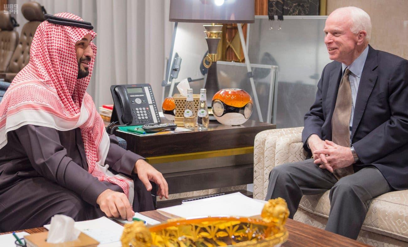 سعودی نائب ولی عہد اور وزیر دفاع شہزادہ محمد بن سلمان سے  الریاض میں امریکی سینیٹر جان مکین 21 فروری کو ملاقات کررہے ہیں۔ فائل تصویر