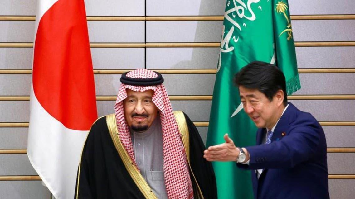 الملك سلمان ورئيس وزراء اليابان
