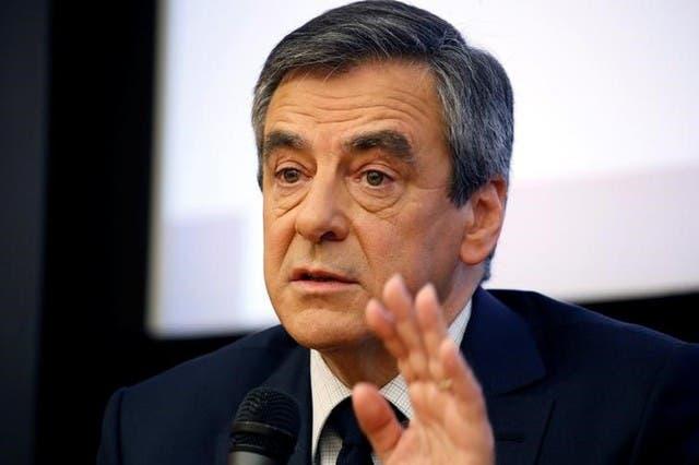 المرشح الرئاسي الفرنسي يواجه اتهامات رسمية