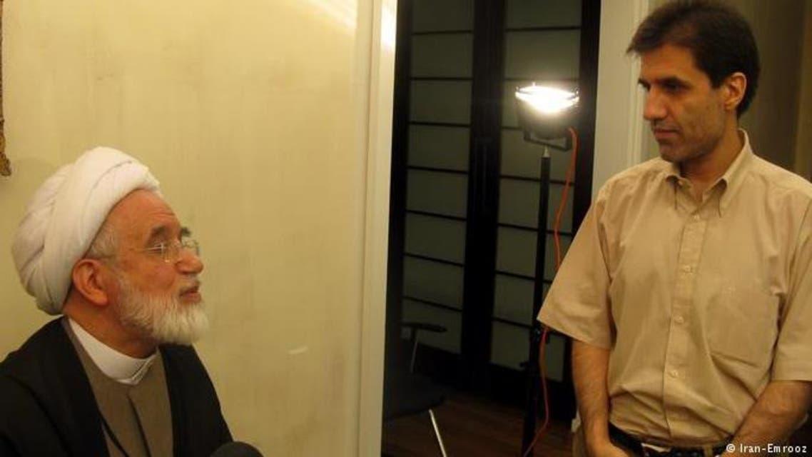 محمد حسين كروبي مع والدة الخاضع للاقمة الجبرية مهدي كروبي
