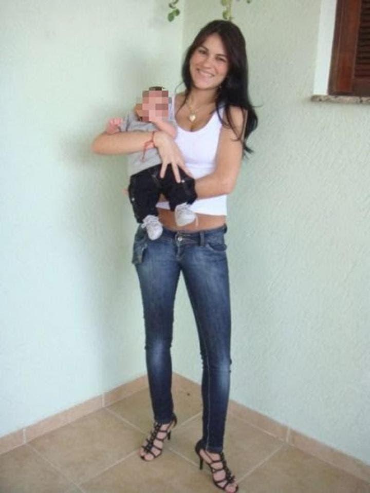 ليزا به همراه فرزندش