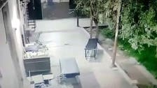 فيديو غريب لنقالة مرضى تتحرك بنفسها داخل مستشفى