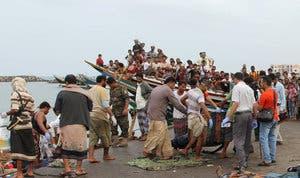 من ميناء الحديدة اليمني انتشال جثث لاجئين صوماليين(17 مارس)