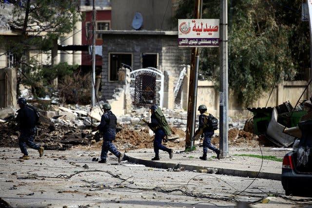 نیروهای عراقی در محله قدیمی موصل