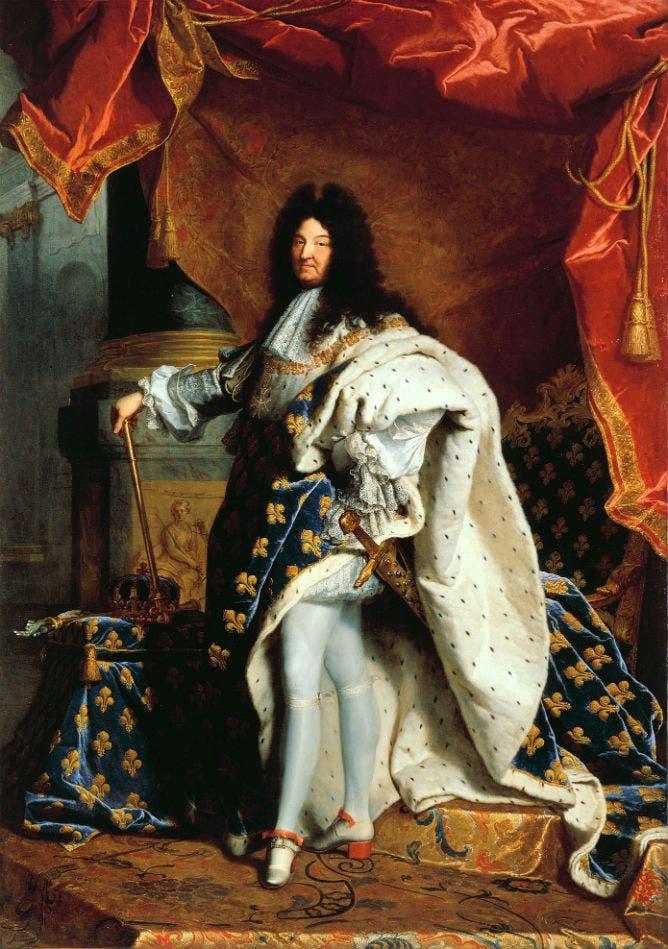 الملك لويس الرابع عشر أول من ارتدى الكعب العالي
