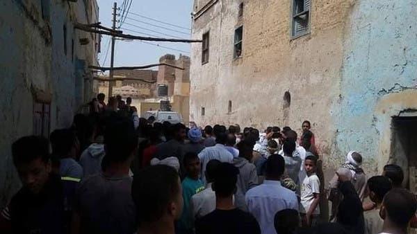 مصر.. إصابة العشرات في اشتباكات طائفية بالأقصر بسبب تحول فتاة قاصر من الإسلام للمسيحية .