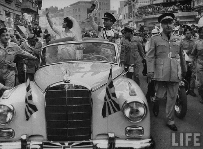 زفاف الملك حسين بن طلال بذات السيارة الملكية