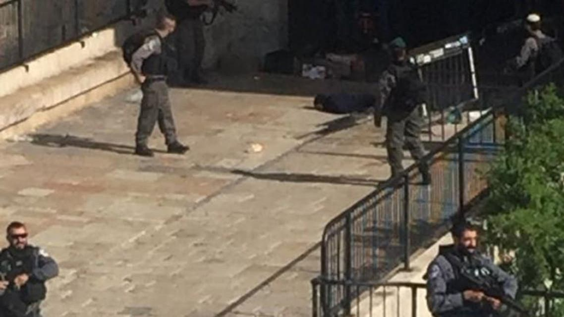 الجيش الاسرائيلي يقتل فتاة فلسطينية في القدس بحجة طعن جندي القدس فلسطين اطلاق النار