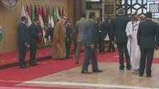 یاد گاری گروپ فوٹو بنواتے ہوئے لبنانی صدر منہ کے بل گر پڑے