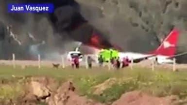 فيديو.. طائرة ركاب تحترق مثل بركان