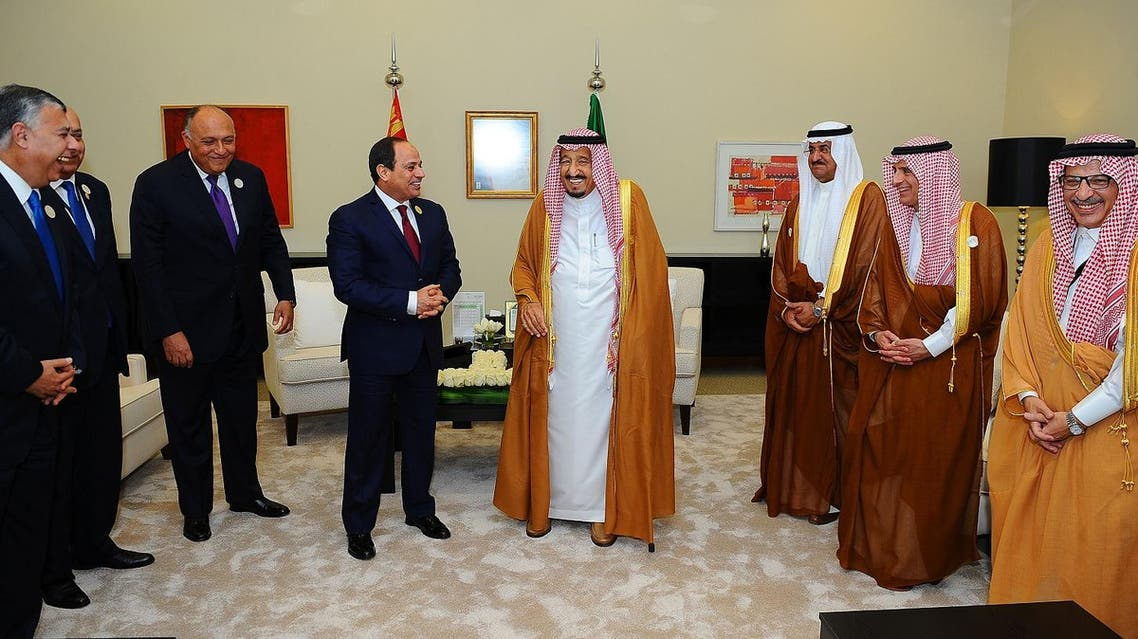 A handout picture released by the Egyptian Presidency shows Egypt's President Abdel Fattah al-Sisi (C-L) meeting with Saudi Arabia's King Salman bin Abdulaziz al-Saud (C-R) on the sidelines of the Arab League summit in the Jordanian Dead Sea resort of Sweimeh on March 29, 2017. AFP