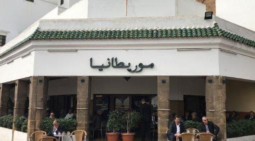 أحد المقاهي في شارع حبوس