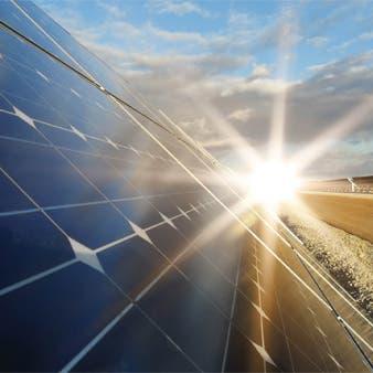 الطاقة المتجددة تجذب أكبر اسثتمارات أجنبية في النصف الأول بـ 33.5 مليار دولار