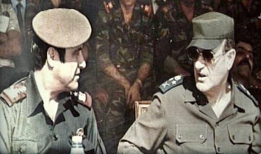 رفعت الأسد إلى يمين شقيقه حافظ