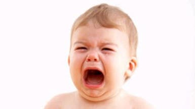 هذا سبب بكاء طفلك لأكثر من 3 ساعات يومياً