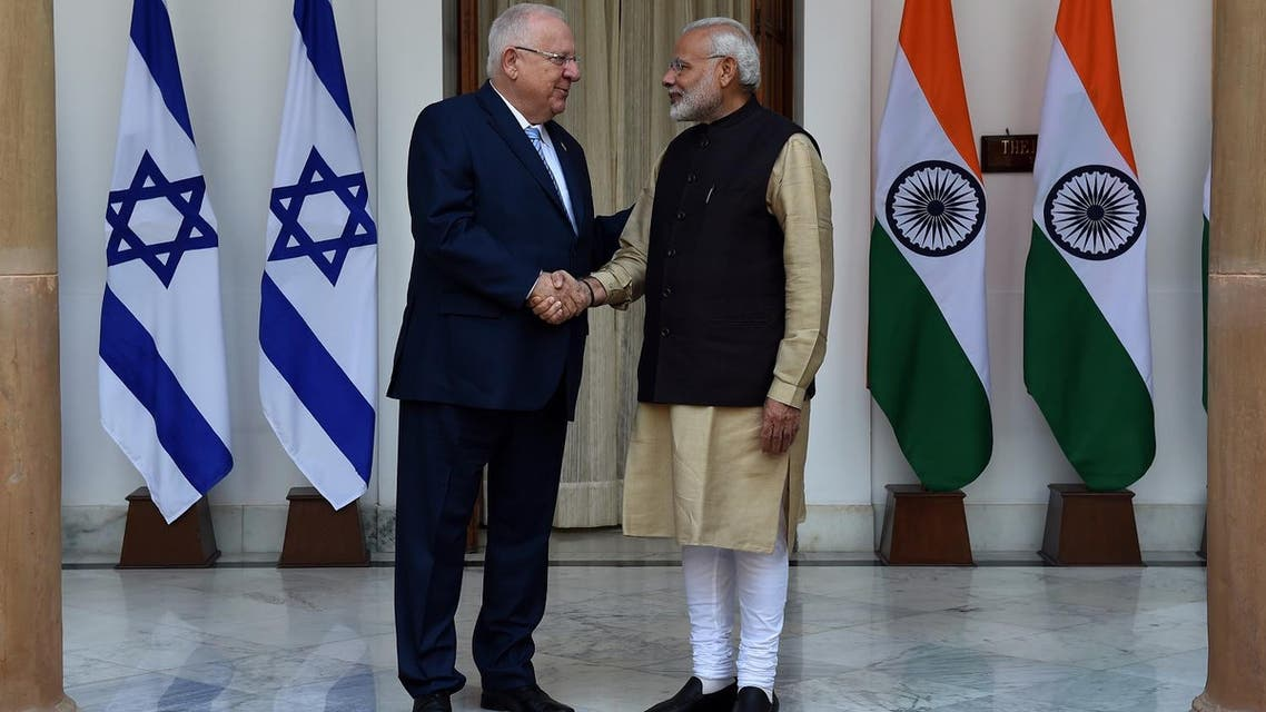 Prime Minister Narendra Modi (R) shakes hands with Israeli President Reuven Rivlin before a meeting in Hyderabad House in New Delhi on November 15, 2016. (File photo: AFP)