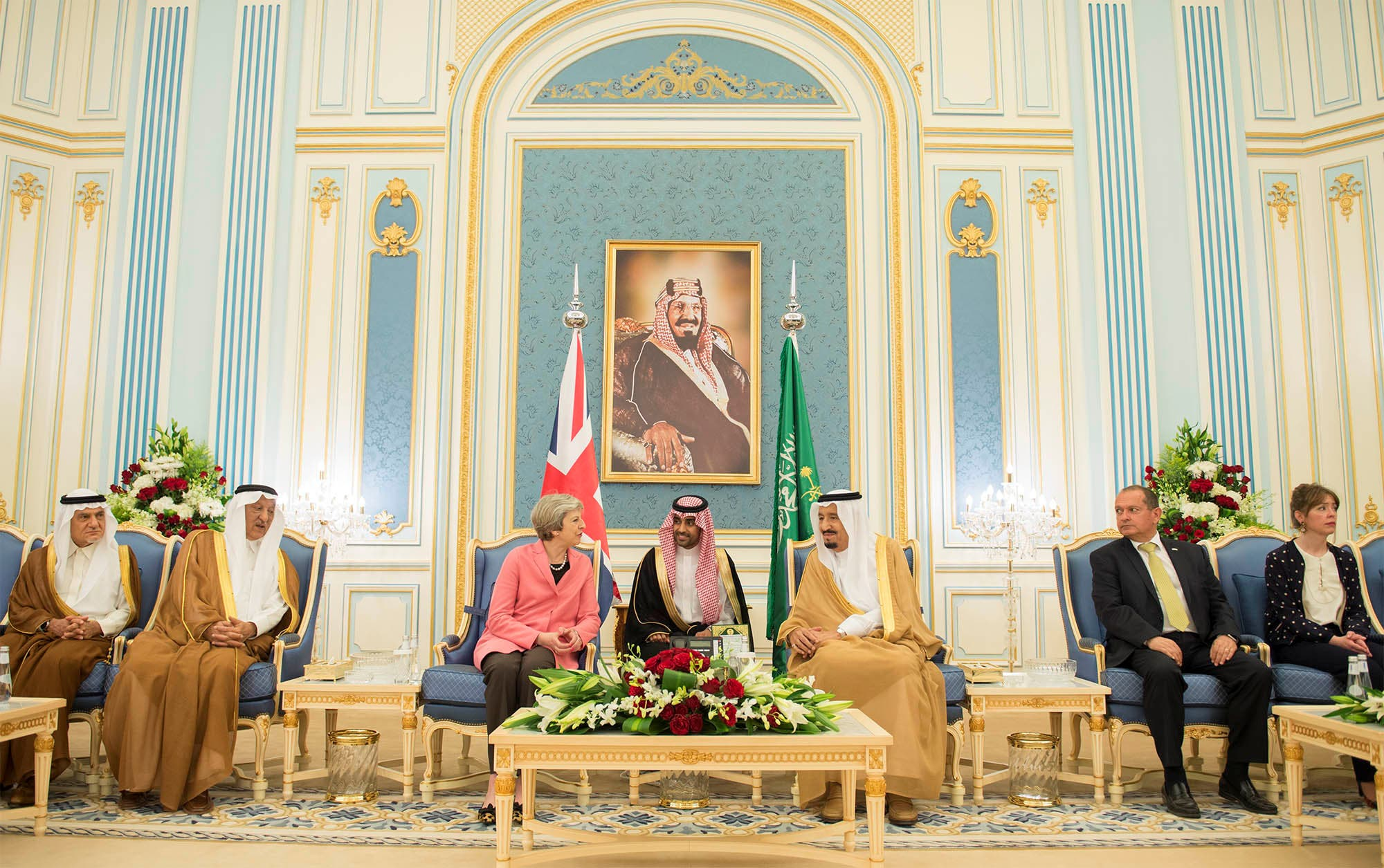 Saudi Arabia's King Salman bin Abdulaziz Al Saud meets with British Prime Minister Theresa May in Riyadh, Saudi Arabia, April 5, 2017. Bandar Algaloud/Courtesy of Saudi Royal Court/Handout via REUTERS ATTENTION EDITORS - THIS PICTURE WAS PROVIDED BY A THIRD PARTY. FOR EDITORIAL USE ONLY.