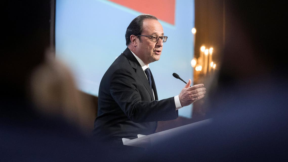 """French President Francois Hollande delivers a speech during the """"Non Au Harcelement"""" (No to Bullying) award at the Elysee Palace in Paris, France, April 4, 2017"""
