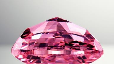 الماسة الوردية.. مصدر للتباهي والأرباح معاً