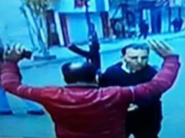 هل صاحب الصورة هو انتحاري كنيسة الإسكندرية؟