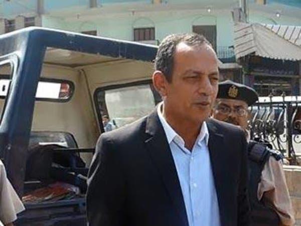 فيديو.. إقالة مسؤول أمني مصري وأقباط يوسعونه ضرباً