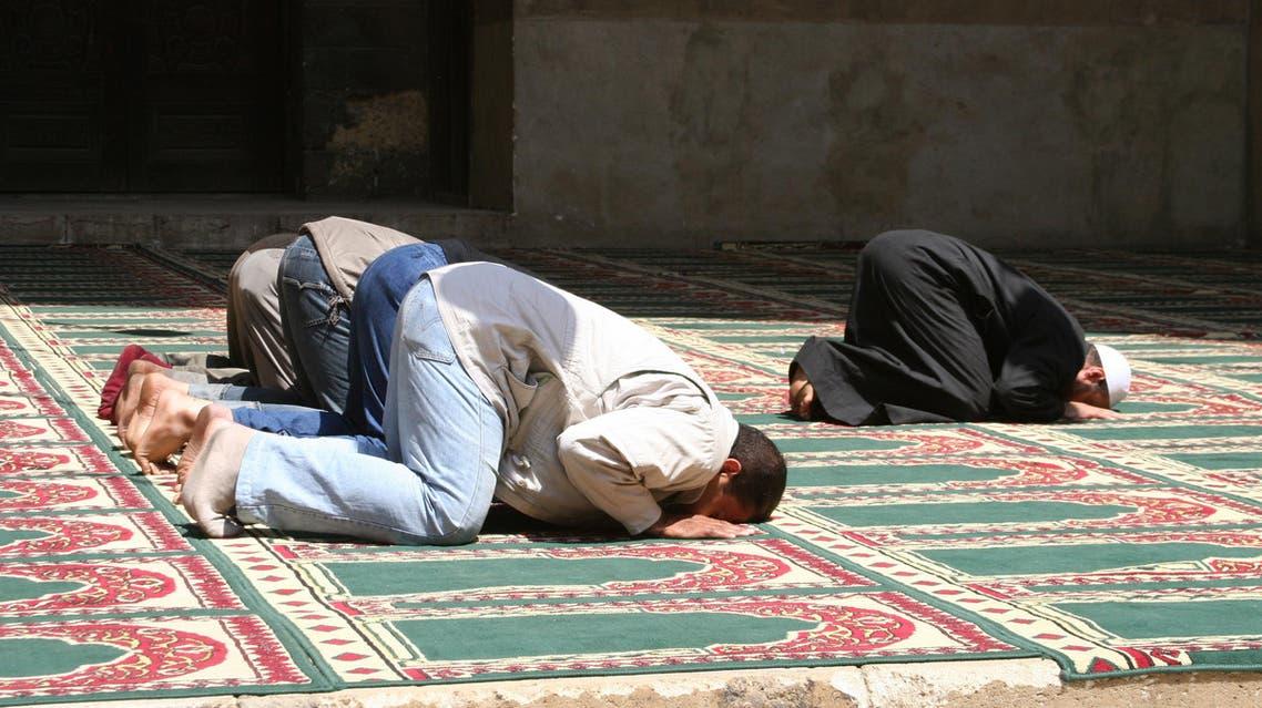 صلاة إمام مسجد