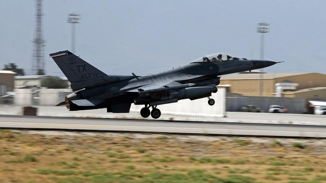 A U.S. Air Force F-16 Flying Falcon fighter bomber takes off for a mission from Bagram air field in Afghanistan August 11, 2016. Picture taken August 11, 2016. REUTERS/Josh Smith