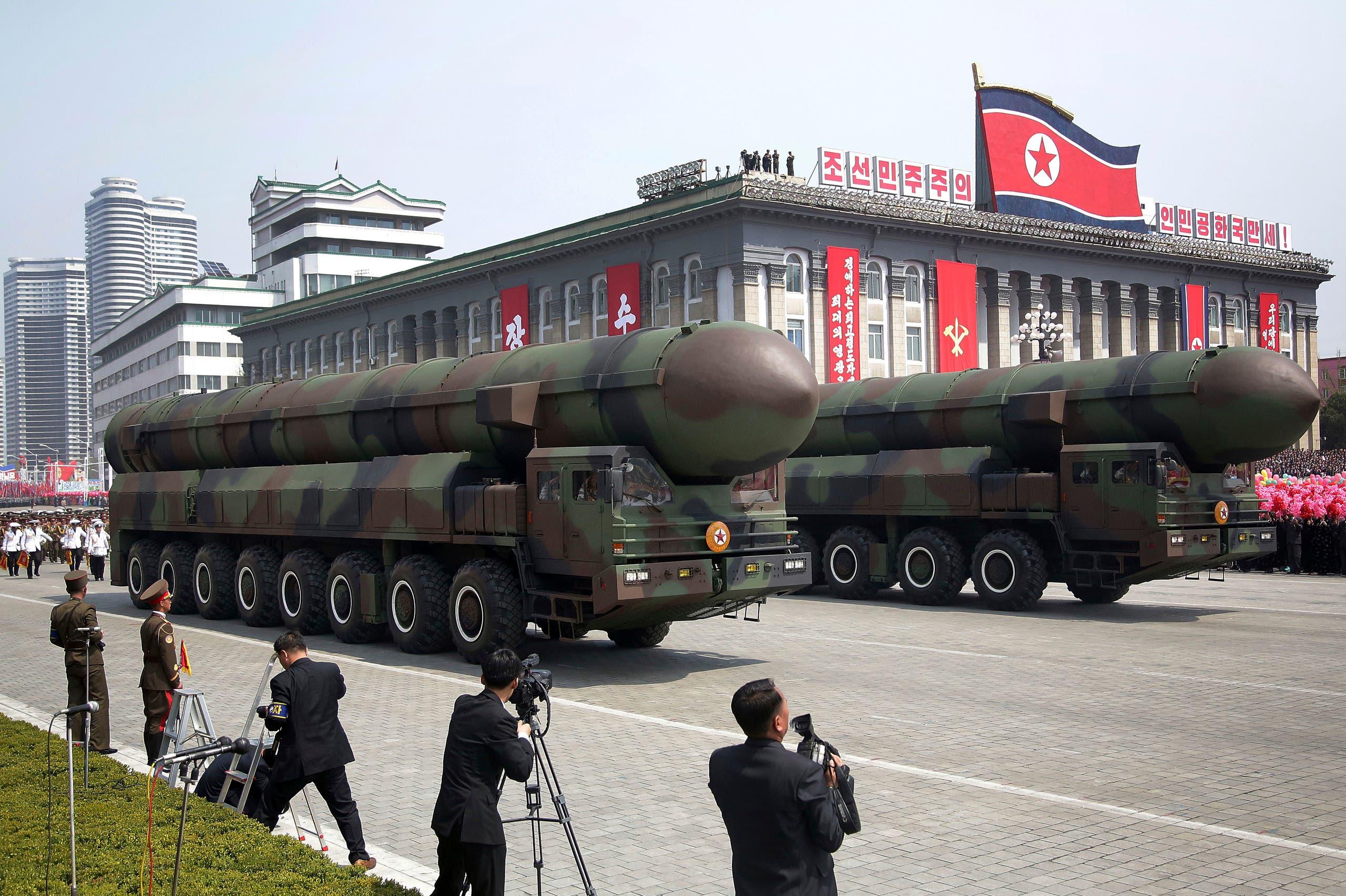 صواريخ كوريا الشمالية أثناء العرض العسكري
