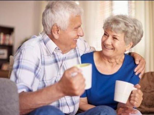 علمياً.. كوب يومي من الشاي يحمي كبار السن من الخرف