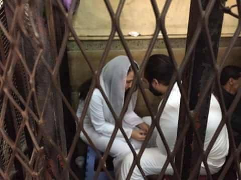 آيه حجازي في قفص الاتهام