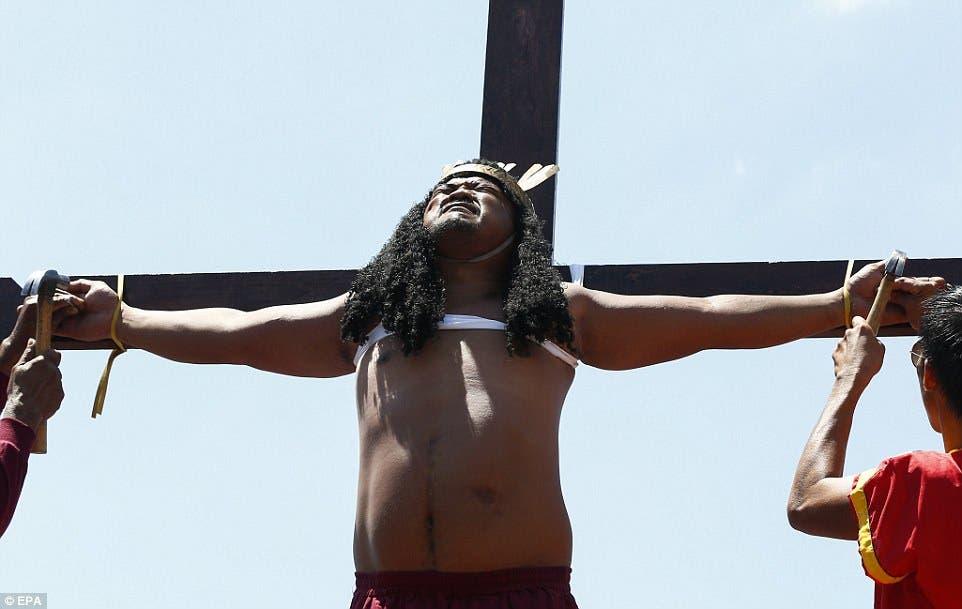 الاحتفال بخميس العهد المسيحي بالفلبين