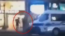 شاهد.. لحظة قتل الشرطة الفرنسية لإرهابي الشانزيليزيه!