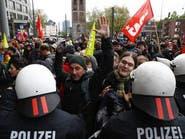 إصابة شرطيين بتظاهرة بألمانيا وانقسام بحزب مناهض للهجرة