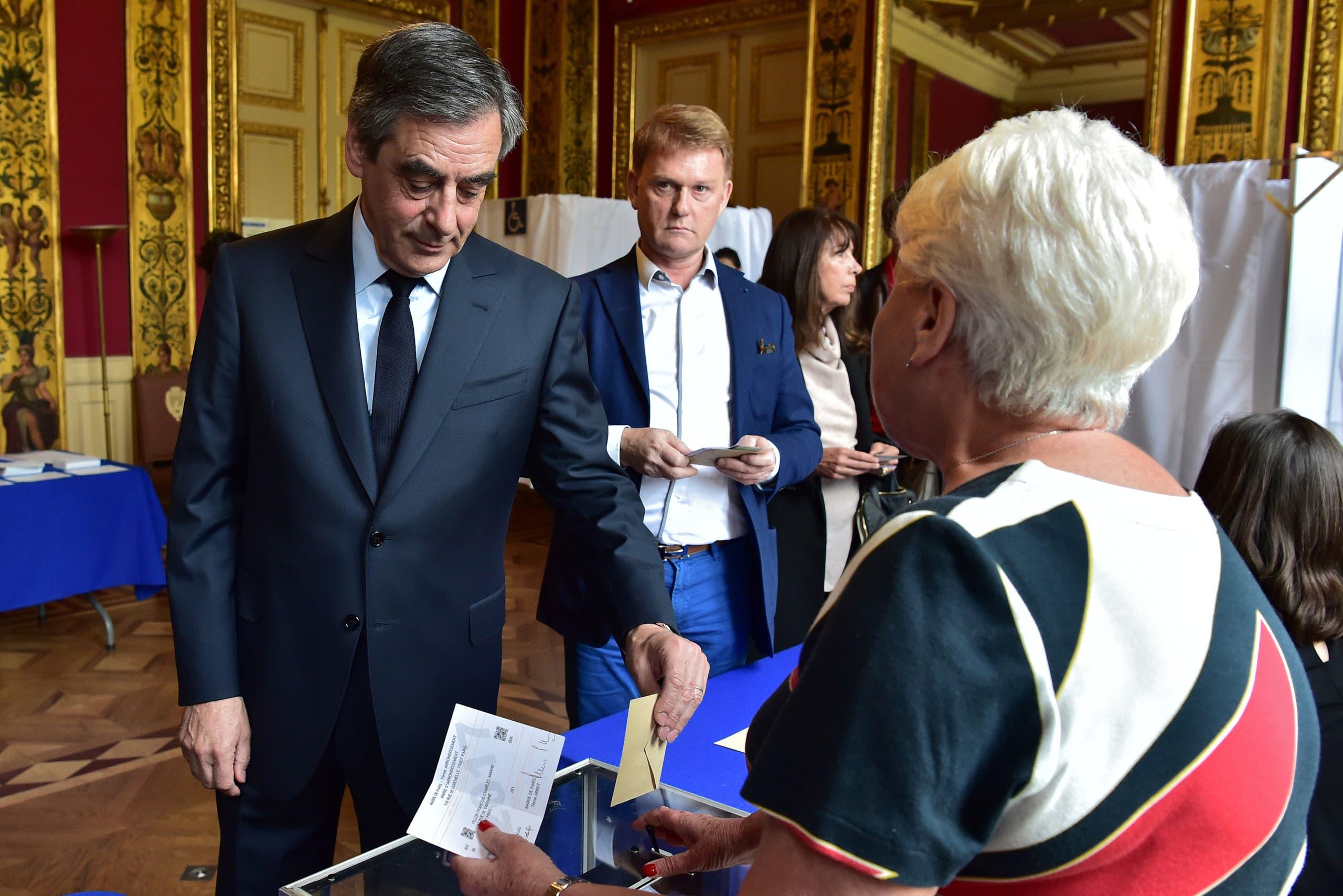 مرشح اليمين المحافظ فرانسوا فيون