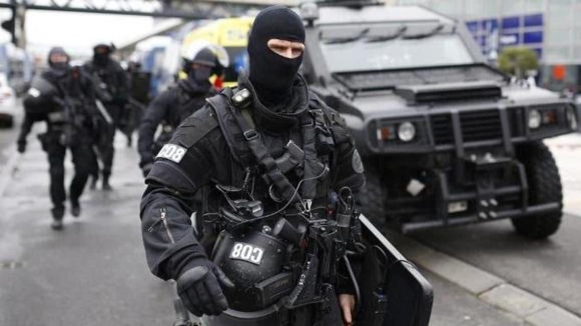 عناصر من الشرطة الفرنسية الحدث