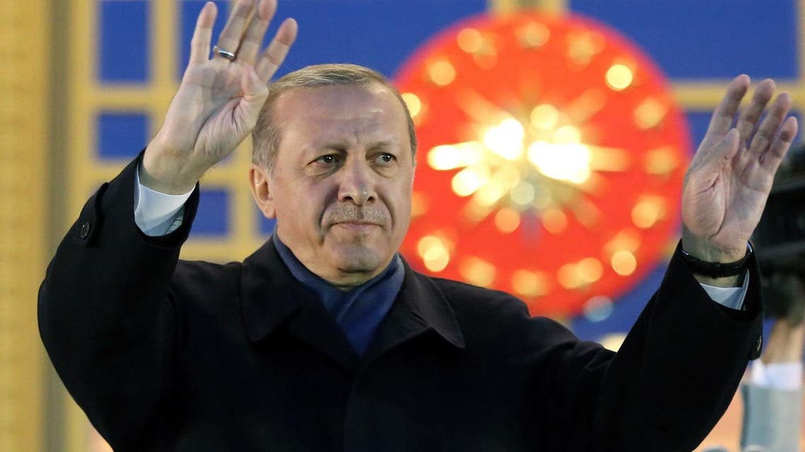 Turkish president Recep Tayyip Erdogan acknowledges supporters prior to deliver a speech at the Presidential Palace in Ankara, on April 17, 2017 (File Photo: Adem Altan/AFP)